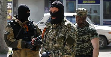 Источник Pravda.Ru в Славянске: Люди думали, что на них сбрасывают отравленные листовки