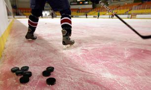В Новокузнецке после тяжелой травмы умер 16-летний хоккеист