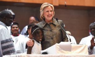 Низкий IQ и никакой совести: Хиллари Клинтон и ее черные рабы