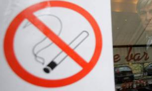 Госдума: Закон не запрещал курить на террасах при кафе на открытом воздухе