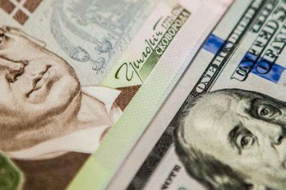 Украинцы попросили Зеленского заменить гривну на доллар