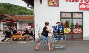 Жители немецкого города выкупили все пиво в преддверии фестиваля неонацистов
