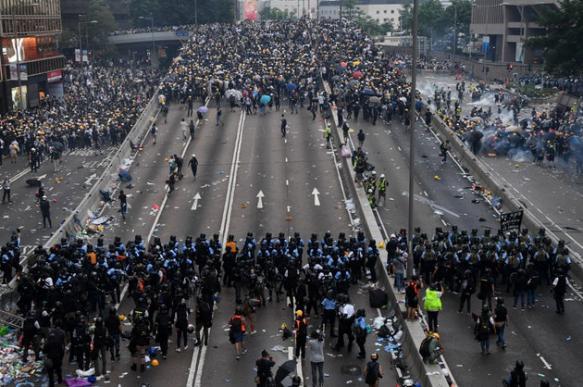 Пекин назвал организаторов беспорядков в Гонконге