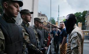 События в Мукачеве: украинские фашисты прорываются в Польшу - Петр Гецко