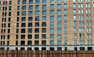 Большие города: зачем нужны дома без балконов