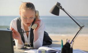 Опрос: более 30% россиян работают в отпуске