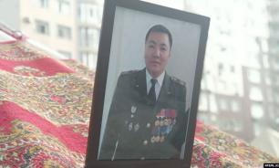 Глава Киргизии навестил семью погибшего при захвате Атамбаева бойца