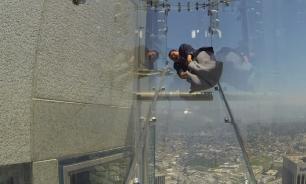 """""""3 секунды кошмара"""": На небоскребе в Лос-Анджелесе установили стеклянную горку"""