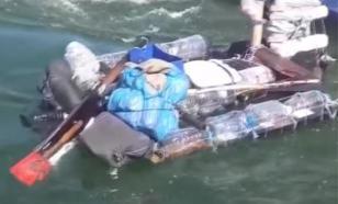 Украинец прорывался в Крым на плоту из бутылок и досок
