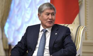 Экс-президент Киргизии вылетит в Москву с российской авиабазы