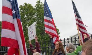 Бездарность властей и лоббисты провоцируют кризис в США - социологи