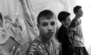 """СМИ: Российскими школами начинают управлять """"блатные урки"""""""