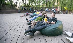 Больше половины россиян хотели бы меньше пользоваться интернетом летом