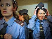 Как много девушек в погонах... И генералов в том числе