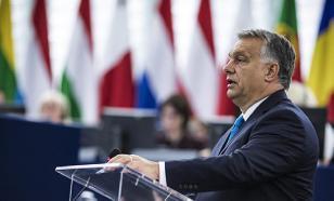 """Премьер Венгрии обвинил мигрантов в распространении """"вируса терроризма"""""""