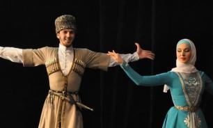 В Чечне раскритиковали артистов за несогласованные выступления