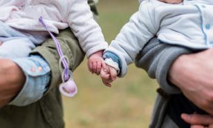 Две трети россиян против рождения детей в гражданском браке