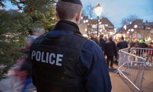 """Франция: """"желтые жилеты"""" дрались с полицией кирпичами и самокатами"""