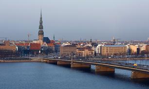 Нелояльных латвийских учителей лишат работы