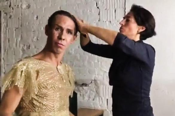 Зачем актер Панин решился стать женщиной