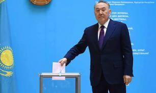 Назарбаев отложил демократию в Казахстане