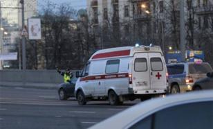 В Петербурге сильный ветер сдул палаточный рынок