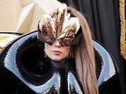 Леди Гага, Сатана и обвал цен на души
