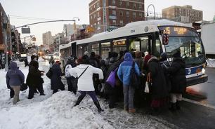 В США растет число погибших от обильных снегопадов