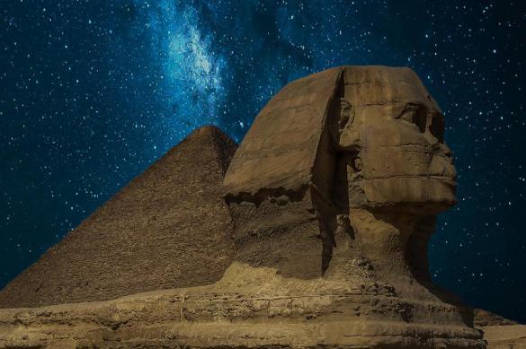 Зачем древние египтяне уродовали петроглифы
