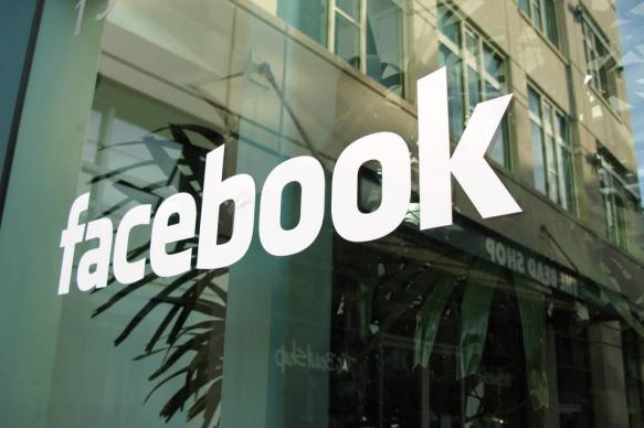 Facebook будет оценивать контент с помощью независимой комиссии