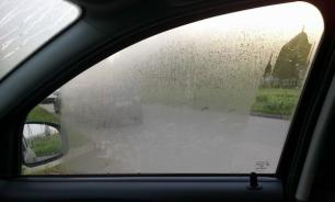 Что делать, если потеют стекла в автомобиле