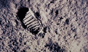 Американцы наследили и на Луне