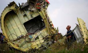 Родственникам погибших пассажиров MH17 назвали имена виновных в катастрофе