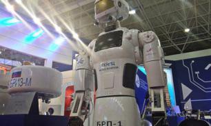 """Роботы в стиле РУРа и """"Звездных войн"""""""