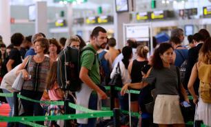 Эксперты: выросла доля россиян, выезжающих за границу летом