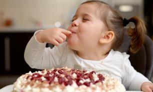 Роспотребнадзор: дети употребляют слишком много сахара
