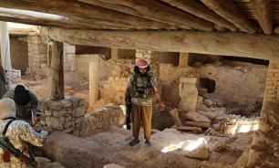 Боевики ИГ разрушили Триумфальную арку в Пальмире