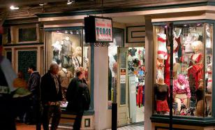 Американец обокрал секс-шоп, стесняясь расплатиться