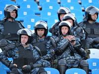 Омоновцев прогонят с футбольных матчей.
