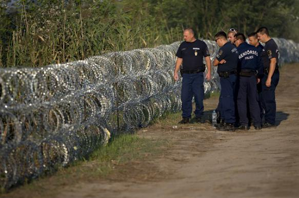 Венгрия заявила, что не пустит сирийских мигрантов к себе