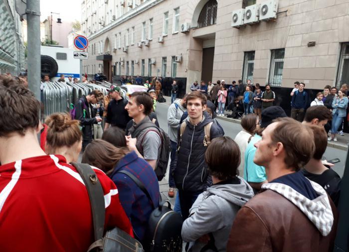 Большинство россиян не тянут на средний класс