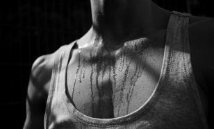 Чтобы не потеть, нужно нервы перерезать