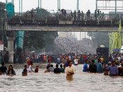 Наводнение в Джакарте отменило встречу президентов