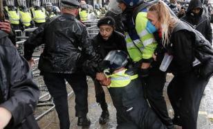 Лондонская полиция намекнула протестующим об опасности