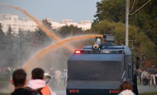 Протестующие в Минске разобрали водомёт по частям