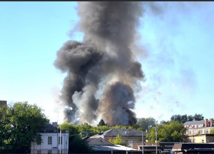 Названа причина пожара на складе пиротехники в центре столицы
