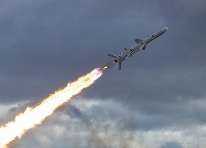 Украина пугает ракетным ударом по Москве. Кремлю не страшно...