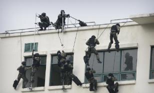 Масхадов раздает боевикам денежные премии за теракт на Дубровке