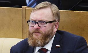Милонов призвал сократить рабочее время зимой для повышения КПД
