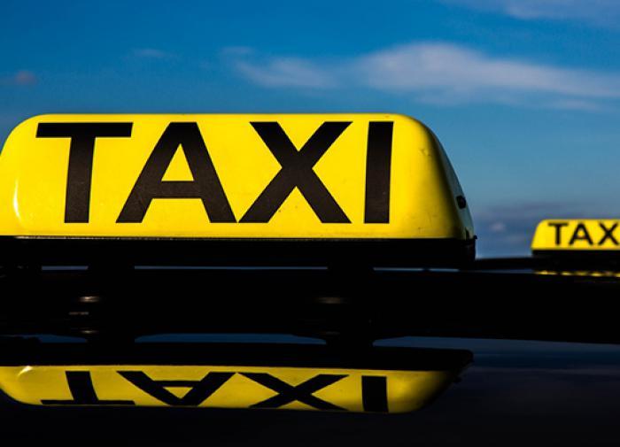 Запрет на работу в такси водителей с судимостью предложил ввести кабмин РФ